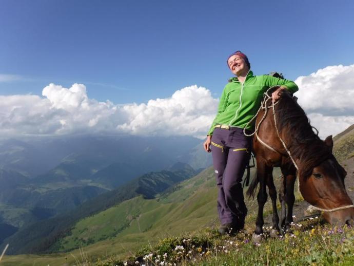 koniem na 3000 mnpm - i widok na Kaukaz wielki gratis