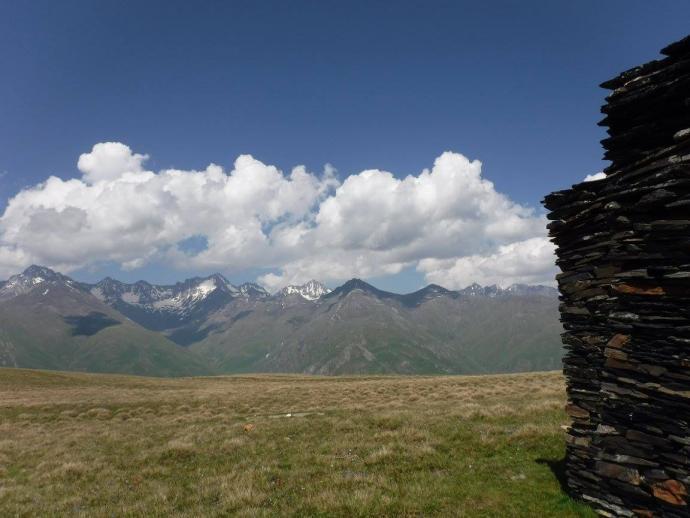 za pan brat z Kaukazem Wielkim z grzbietu Pirikita