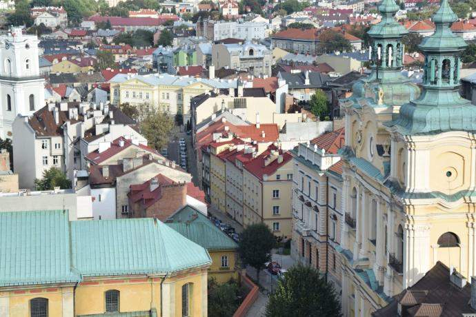 Widok na miasto z wieży katedralnej