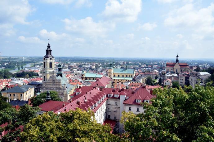 Rozległy widok na miasto z Baszty Zamku Kazimierzowskiego