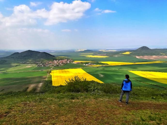 Spojrzenie na Ranę (szczyt jak i miasteczko) oraz Milę.