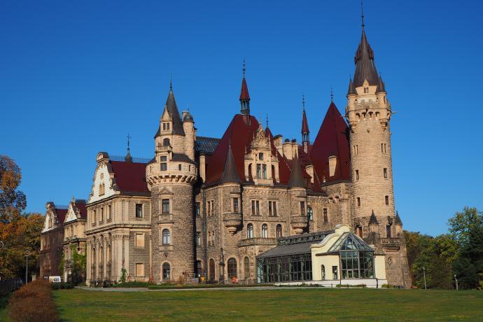 Moszna - zamek jak z baśni, choć to właściwie pałac, nie zamek.