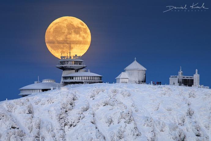 Pełnia Księżyca Śnieżka