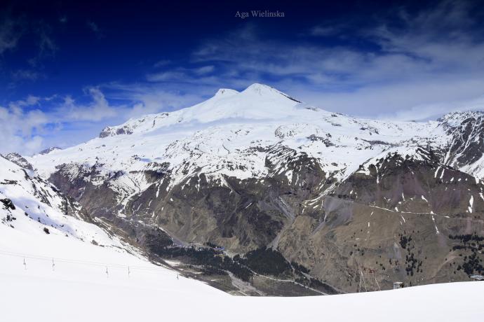 Elbrus z Czegetu w maju.