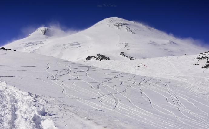 Elbrus (5642m).
