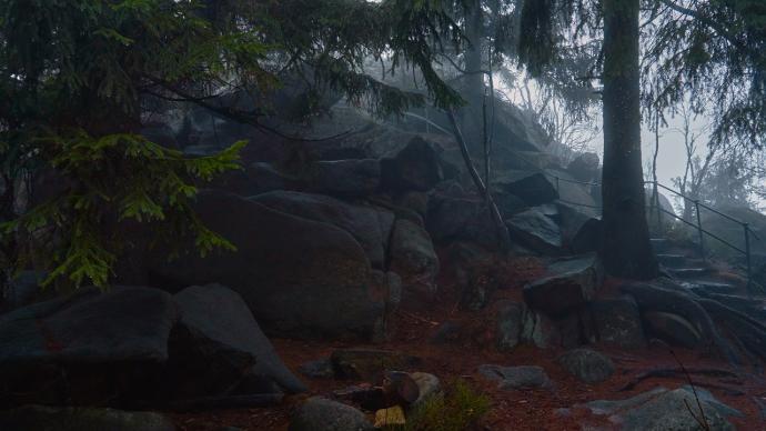 Kamienne-schody-na-Ostrą-Małą-1