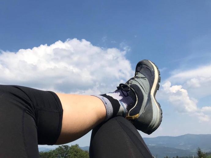 Buty QUECHUA MH500 WTP dobrze komponują się z kolorami nieba :)