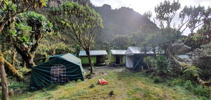 Obóż Mutinda Camp 3688 m n.p.m.
