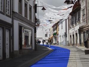 Dywany i firanki na ulicach Guardy (The Long Weekend 2015)