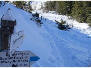 Początek szlaku na Szpiglasową Przełęcz