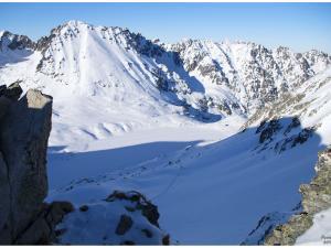 Widok ze Szpiglasowego Wierchu na Dolinę Rybiego Potoku