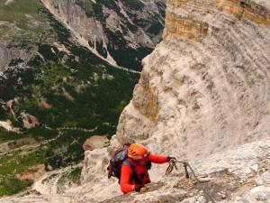 skalny amfiteatr w drodze na Toffanę di Rozes, Dolomity