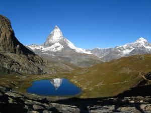 Odbicie Matterhornu w Riffelsee - chwilo trwaj
