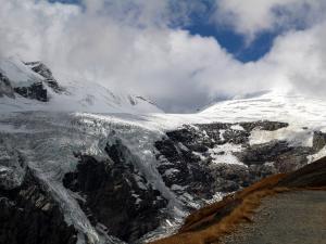 Scena 11: Austria, lodowiec Pasterze (październik)