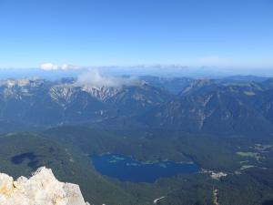Widok na Eibsee, Alpy Bawarskie