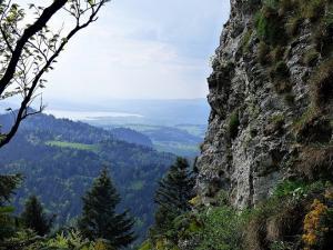 Widok z Trzech Koron na Jezioro Czorsztyńskie