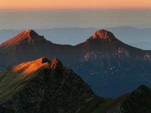Tatry Bielskie muskane ostatnimi promieniami słońca