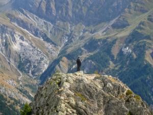 Figura Matki Boskiej na sczycie Mont Chetif