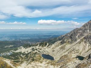 Dolina Gąsienicowa, Karb i po prawej Kościelec