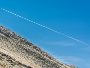 Gdzieś w połowie drogi na Wołowiec wyprzedził mnie… samolot :)