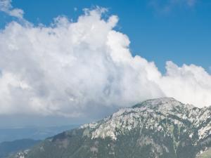 Widok z Trzydniowiańskiego Wierchu – Przedziwny spektakl z chmur. Ja widzę twarz…