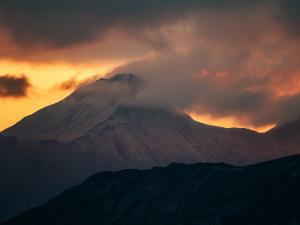 Widok z Doliny za Mnichem na płonący Hawrań