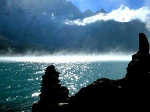 Turkusowe wody jeziora Dudh Pokhari