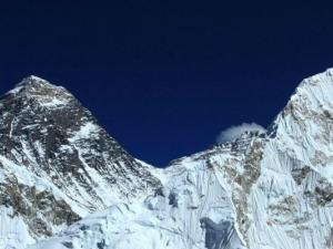 Główny cel naszego trekkingu Mt.Everest w towarzystwie Nuptse