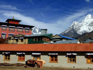 Klasztor buddyjski w Tengboche, w tle oczywiście Ama Dablam