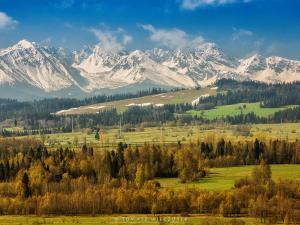 Widok na Tatry z okolic Nowej Białej