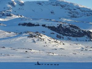 Bukkeskinnshjellane, najwyższa z okolicznych gór.