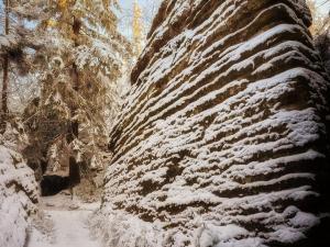 Formacje skalne na Szczelińcu