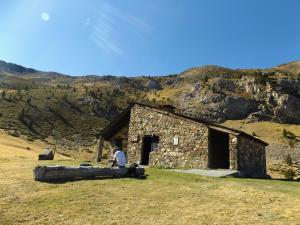 Schronisko Prat Primer, jedna z wielu wolnych chat, darmowych i dostępnych cały rok.