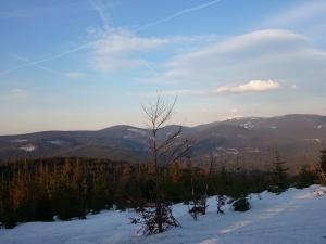 Widok z niebieskiego szlaku Trzy Kopce - Krawców Wierch