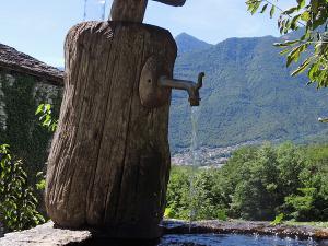 Po drodze, w wielu miejscach, znajdowały się wodopoje z orzeźwiającą wodą.