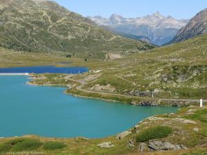 Trasa pociągu biegnie z Chur/Davos/St. Moritz przez Valposchiavo do włoskiego Tirano.