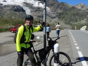 """Podstawa rowerowania, to """"bądź widoczny na drodze"""" :)"""