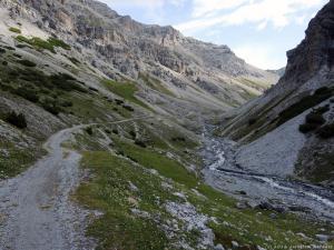 Dolina Valle Forcola o poranku.