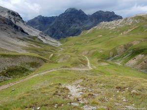 W górnej części doliny Valle Forcola, na wysokości ok. 2500 m n.p.m., zastała mnie burza i ulewa, które przeczekałem w namiocie.