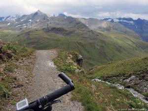 A teraz piękna trasa w dół przez alpejskie łąki :)