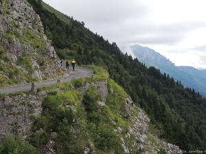 """Po przejechaniu pięknej drogi Crocedomini, tego dnia poznaję jeszcze kolejną trasę z tych """"dangerousroads"""" - drogę Anfo Maniva znajdującą się w prowincji Brescia w Lombardii."""
