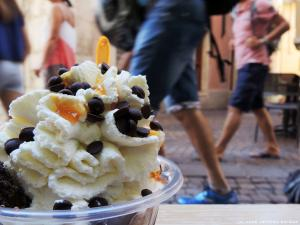 Gelato (z wł. lody) w Riva del Garda.