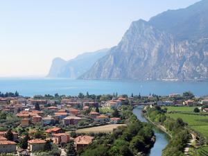 Opuszczam okolice jeziora Garda i jadę w kolejne góry.