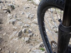 Niektóre zjazdy szlakami w Monte Pasubio wymagały dobrego panowania nad rowerem.