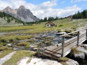 Na szlaku w grupie Fanes, w Dolomitach.