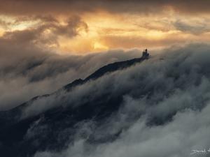 Śnieżne Kotły otulone chmurami