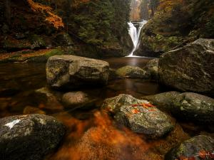 Wodospad Szklark ijesienią