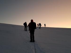 Wschód słońca w drodze na szczyt