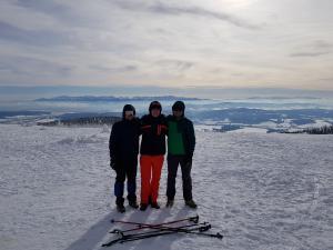 Z przyjaciółmi na szczycie Pilska