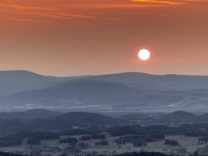 Zachód słońca z Krzyżnej Góry